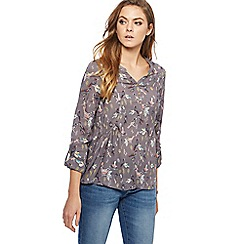 Mantaray - Grey bird print notch neck shirt