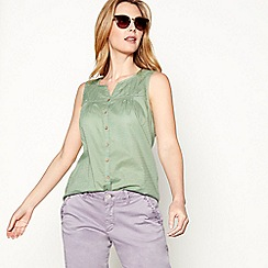 Mantaray - Light green embroidered cotton V-neck sleeveless top