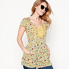 Mantaray - Yellow floral print cotton V-neck t-shirt