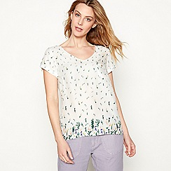 Mantaray - White floral print V-neck short sleeve t-shirt