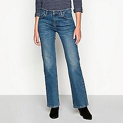 f41beb433f4d3 Mantaray - Mid blue mid wash  St Ives  bootcut jeans