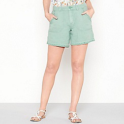 Mantaray - Pale green linen blend cargo shorts
