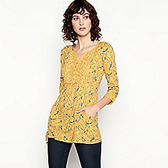 Mantaray - Yellow Bird Print Cotton Top