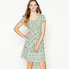 Mantaray - Pale Green Triangle Tile Print Knee Length Skater Dress