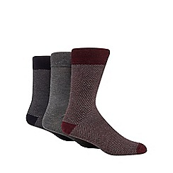 Hammond & Co. by Patrick Grant - Pack of three dark red chevron socks