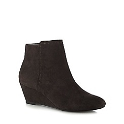 The Collection - Grey suedette 'Celby' mid wedge heel ankle boots