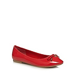 The Collection - Red 'Carrina' wide fit pumps