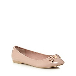 The Collection - Natural 'Carrina' wide fit pumps