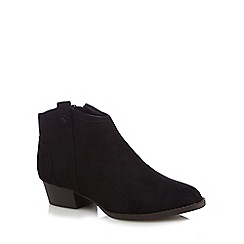 Mantaray - Black suedette 'Meston' ankle boots