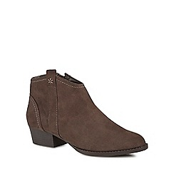 Mantaray - Light brown suedette 'Meston' ankle boots