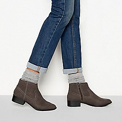 Mantaray - Grey suedette 'Maggie' block heel ankle boots