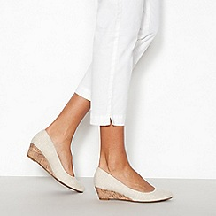 Good for the Sole - Cream 'Gretchen' mid wide fit court shoes