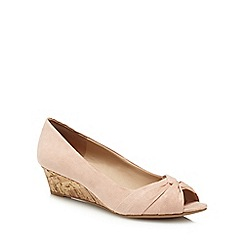 Good for the Sole - Light pink suedette 'Gollie' mid heel wide fit peep toe shoes