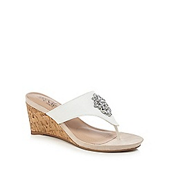 Good for the Sole - White wide fit 'Gemz' mid wedge heel sandals