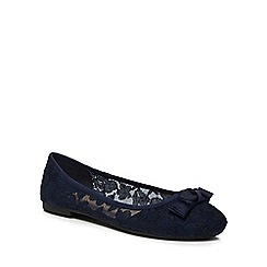 The Collection - Navy lace 'Carlton' pumps