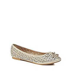 Mantaray - Gold 'Mimi' pumps
