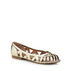 Mantaray - Gold 'Morris' peep toe shoes