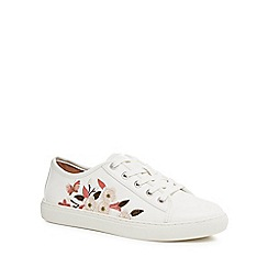 Mantaray - White embroidered 'Mystic' trainers