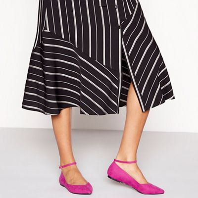 Wide FitFaith - Bright pink suedette 'Ally' wide fit pointed shoes