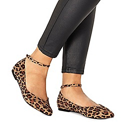 Faith - Leopard print 'Ally' pointed wide fit shoes