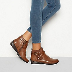Good for the Sole - Brown 'Genny' buckle detail wide fit Chelsea boots