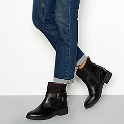 Good for the Sole - Black faux leather 'Grey' wide fit flat ankle boots