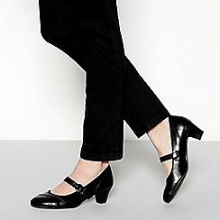 Good for the Sole - Black faux leather 'Gurleen' mid block heel wide fit Mary Jane court shoes