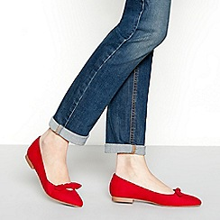Principles - Red suedette bow 'chia' pointed ballet pumps