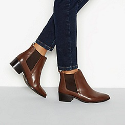 Mantaray - Brown 'Mole' block heel Chelsea boots