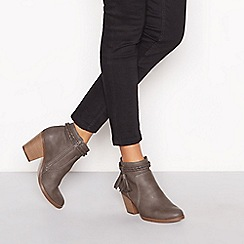 Mantaray - Grey tassel block heel ankle boot