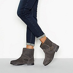 Mantaray - Grey 'Millet' faux fur lined leather ankle boots