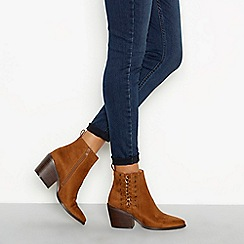 Nine by Savannah Miller - Tan 'Soven' block heel ankle boots