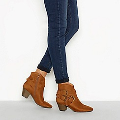 Nine by Savannah Miller - Tan 'Sarant' block heel three buckle ankle boot