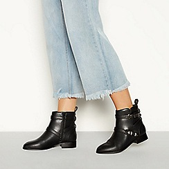 Faith - Black faux leather 'Wuckle' wide fit flat ankle boots