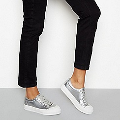 Faith - Silver metallic lace-up flatform trainers
