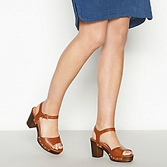 Mantaray - Tan Faux Leather 'Mali' High Block Heel Clog Sandals