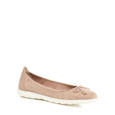 Good for the Sole - Light pink suedette 'Georgina' flat wide fit pumps