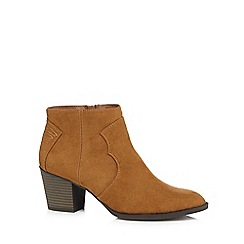 Mantaray - Tan suedette mid block heel ankle boots