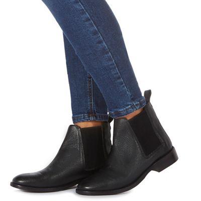 Faith - Black 'Binky' Chelsea boots