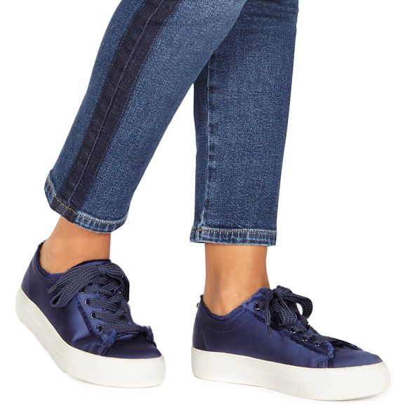 Navy 'Krystal' up lace trainers Faith q8fHSwH