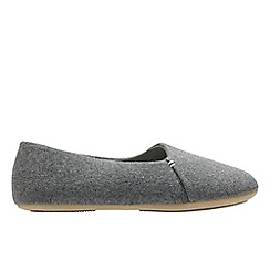 Clarks - Light grey 'Cozily snug' women's slippers
