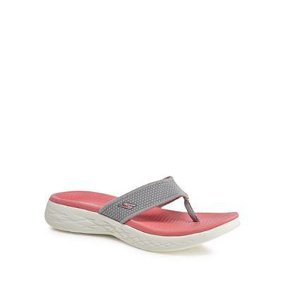 Skechers - Grey 'On-The-Go 600' flip flops