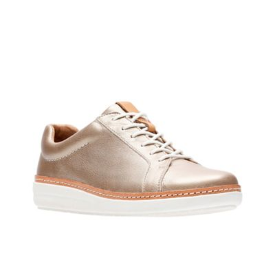 fadee47b132 Clarks Gold leather  Amberlee Rosa  trainers