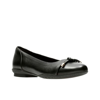 Clarks Black leather pumps 0680102380 Fashion Shoes Hot Sale Cheapest Price Save Over 50%