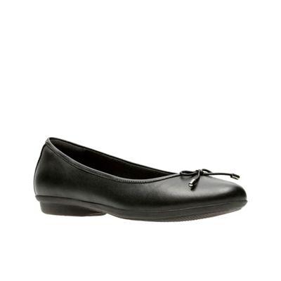 Clarks - Black leather 'Gracelin Blu' pumps