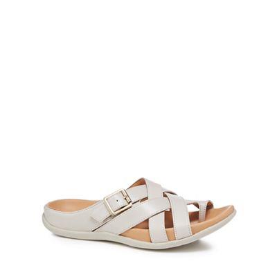 Strive Light - Light Strive grey leather 'Montauk' sandals 11f230