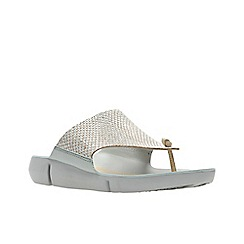 c0ac6f0aa17 Clarks - Silver leather  Tri Carmen  sandals