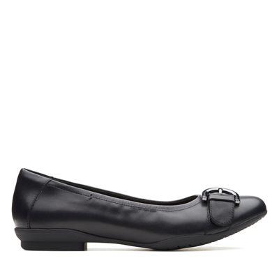 Clarks - Black leather 'Neenah Lark' pumps