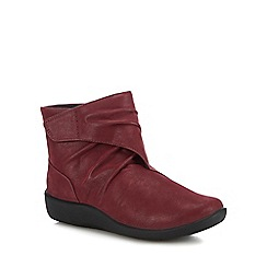 Clarks - Wine 'Sillian Tana' ankle boots