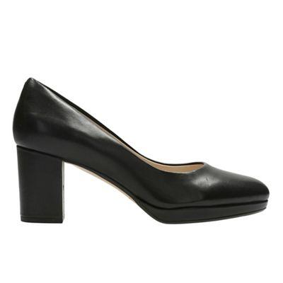 Clarks - Black leather 'Kelda Hope' mid block heel court shoes